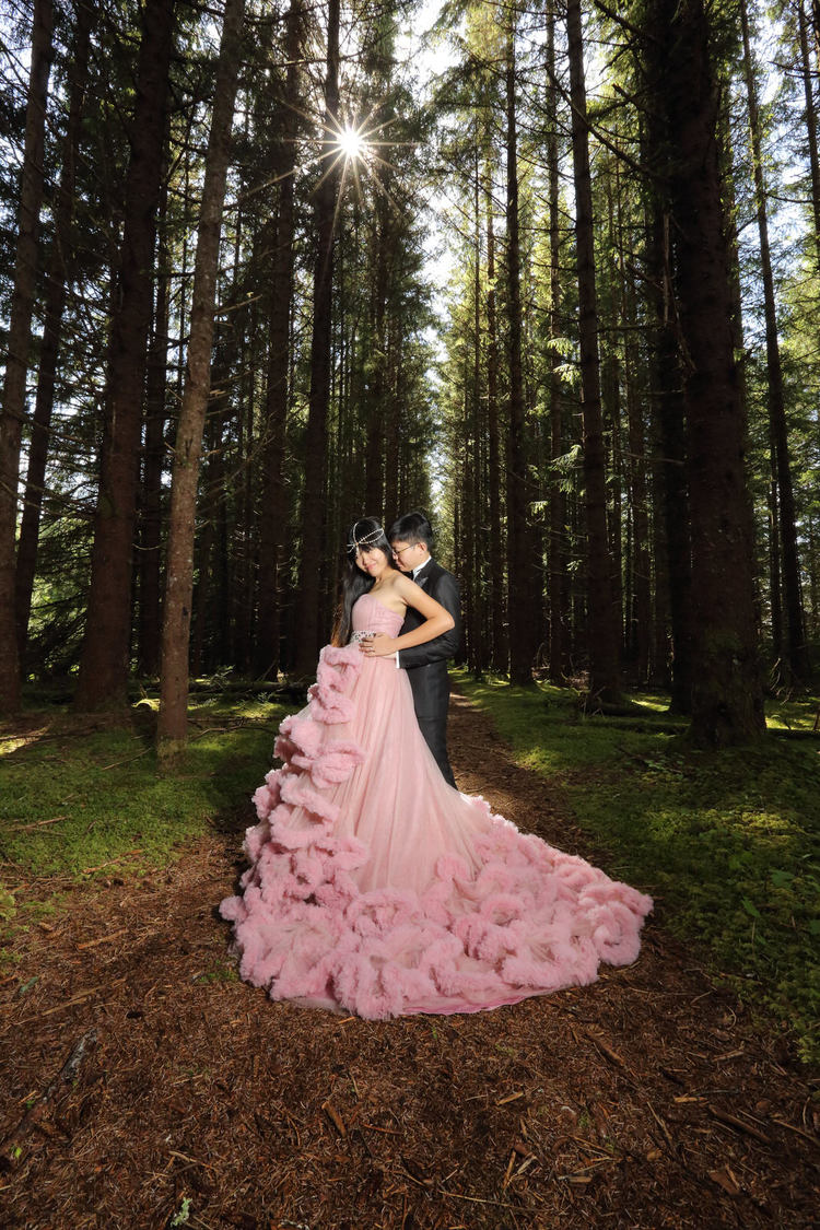 PinkDressWoods055.jpg