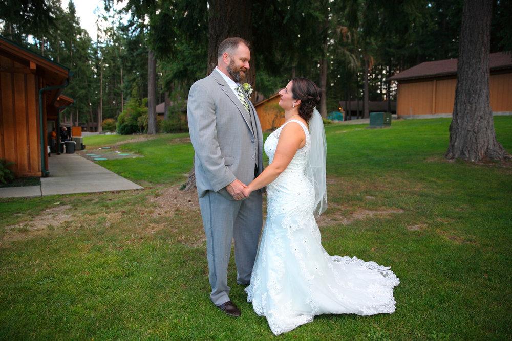 Wedding+Frontier+Lodge+Graham+Washington+21.jpg