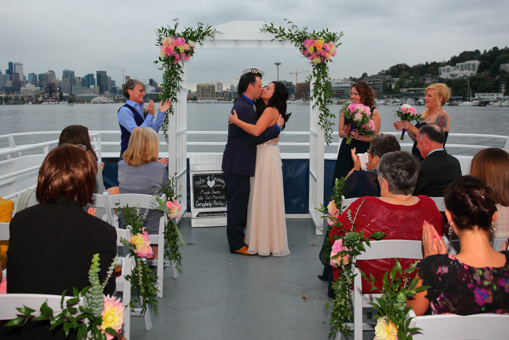 Wedding+Waterways+Cruises+South+Lake+Union+Seattle+Washington+39.jpg