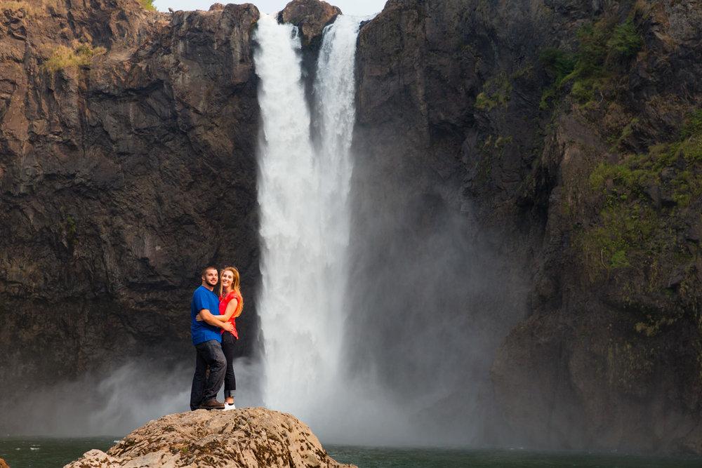 Engagement+Photos+Snoqualmie+Falls+Washington+05.jpg