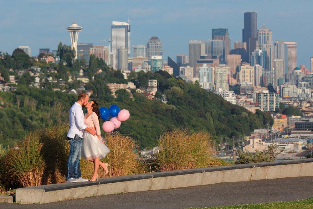 Engagement+Photos+Pike+Market+and+Sculpture+Park+Seattle+Washington10.jpg