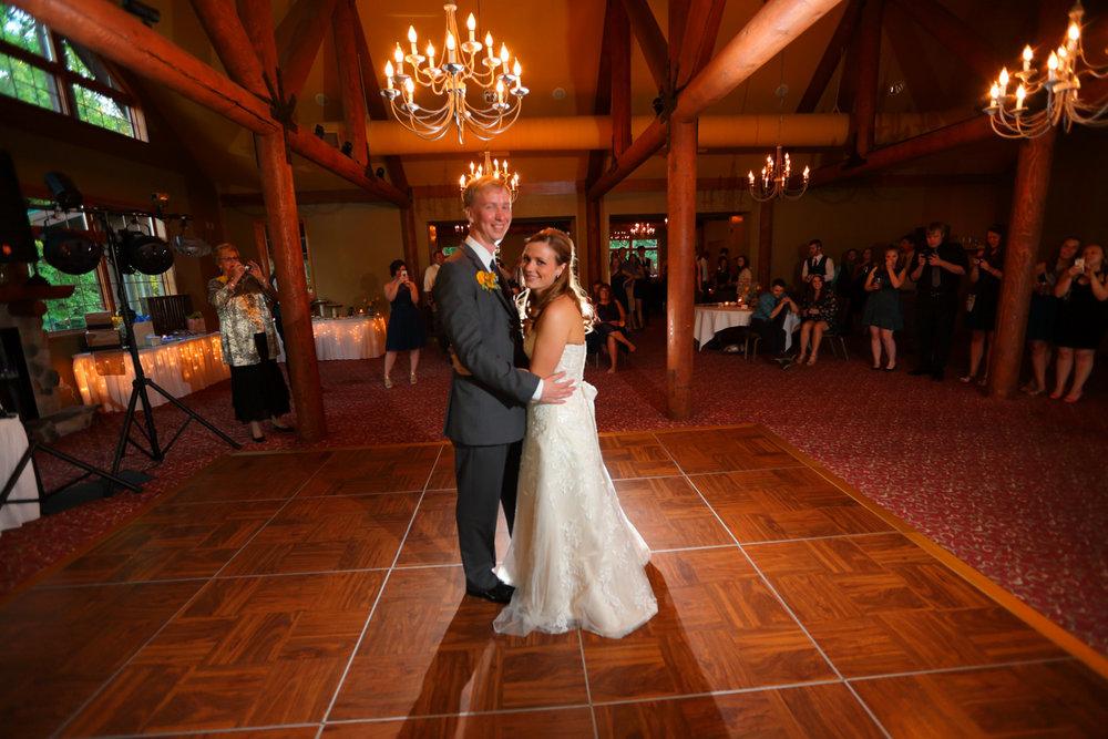 Destination+wedding+Wild+Rock+Golf+Cub+Dells+Wisconsin+32.jpg