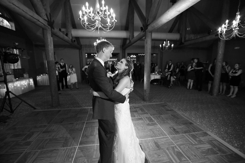 Destination+wedding+Wild+Rock+Golf+Cub+Dells+Wisconsin+33.jpg
