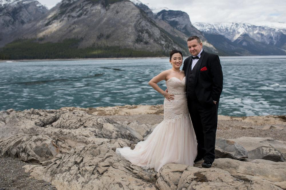 Wedding Photos Banff-Lake Minniwanka