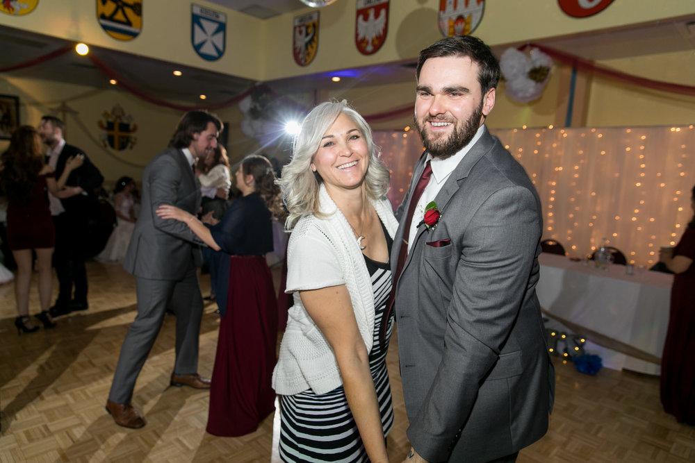 Elliott and Nicole Web-050.jpg