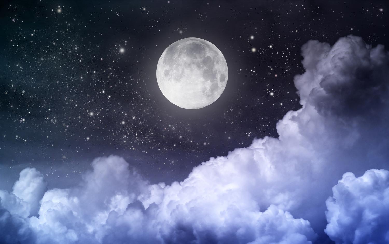Картинки по запросу beautiful night sky with stars and moon