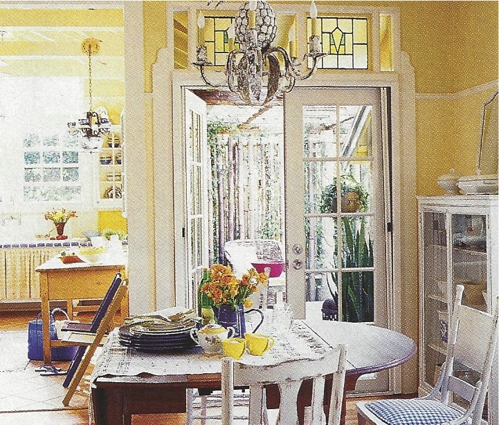 Dining Room Riomar Cottage.jpg
