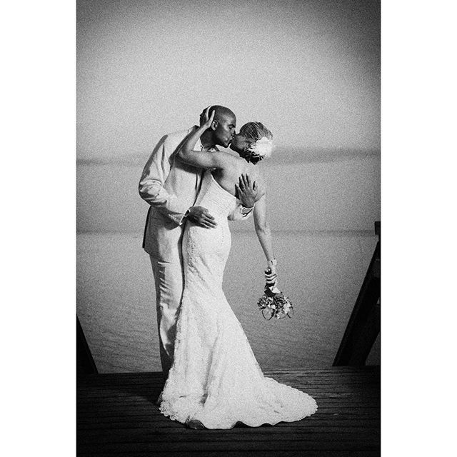 #alexdavidstudio #photographer #photography #bride #groom #couple #blackandwhite #flowers #dress #water #sea #beach #kiss #man #woman #beutiful #perfect #weddingphoto