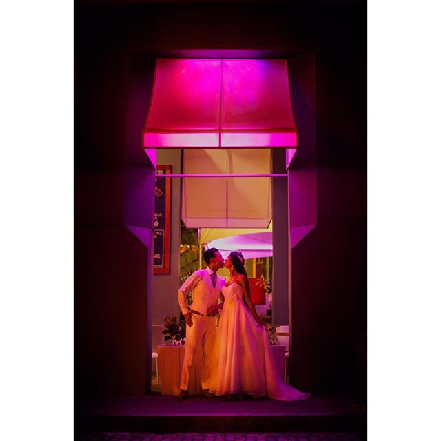 #color #weddingphoto #couple #weddingday #oldsanjuan #puertorico #wedding #weddingphotography #photography #light #kiss #alexdavidstudio