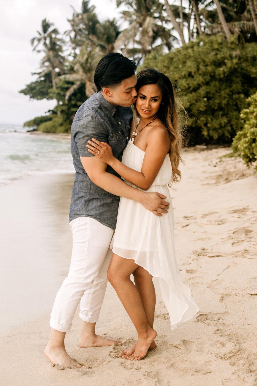 Oahu hawaii engagement photos-19.jpg