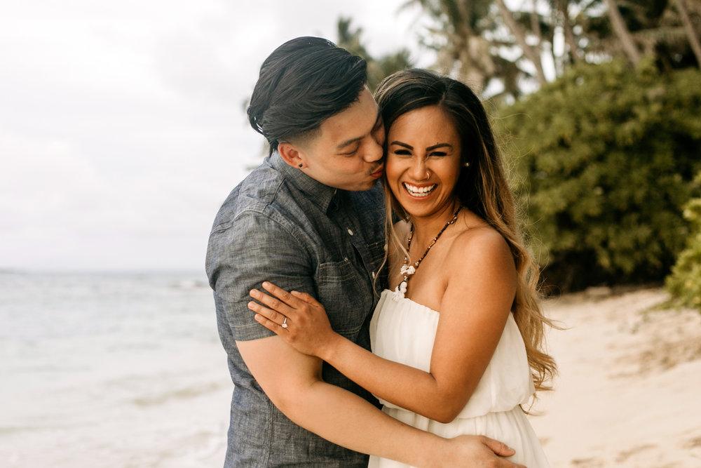 Oahu hawaii engagement photos-22.jpg