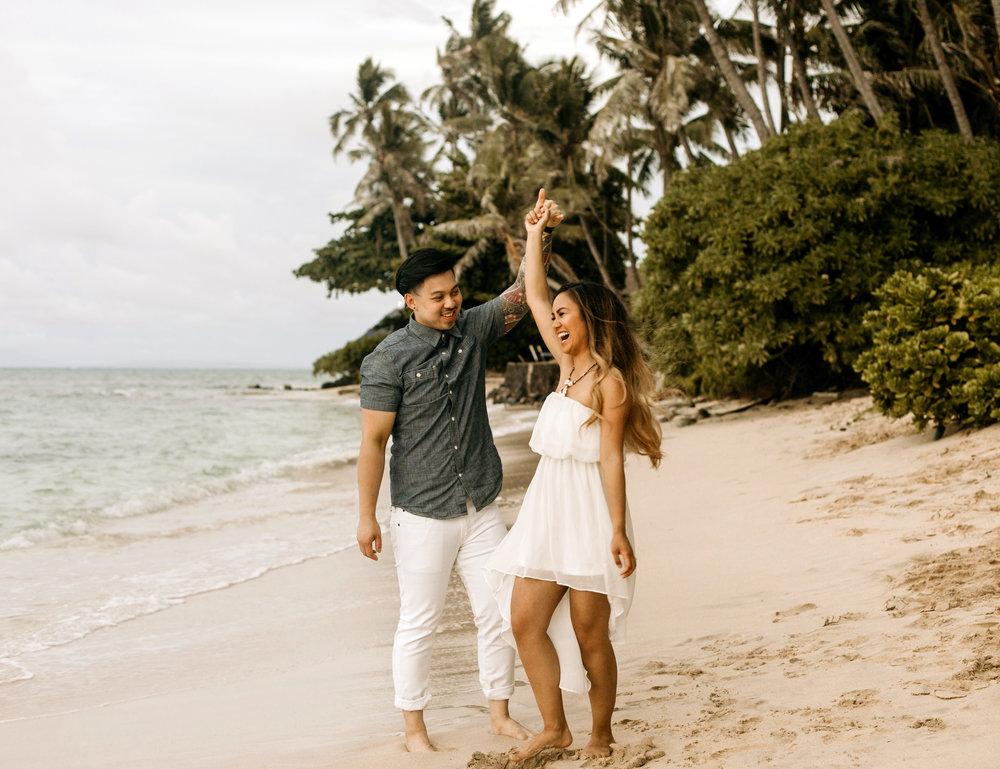 Oahu hawaii engagement photos-41.jpg