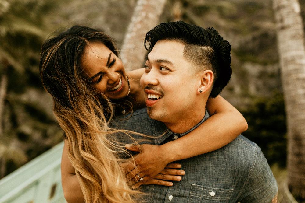 Oahu hawaii engagement photos-53.jpg