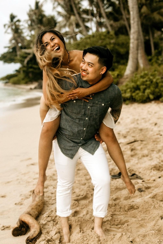 Oahu hawaii engagement photos-56.jpg