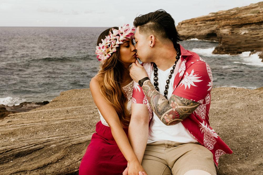 Oahu hawaii engagement photos-102.jpg