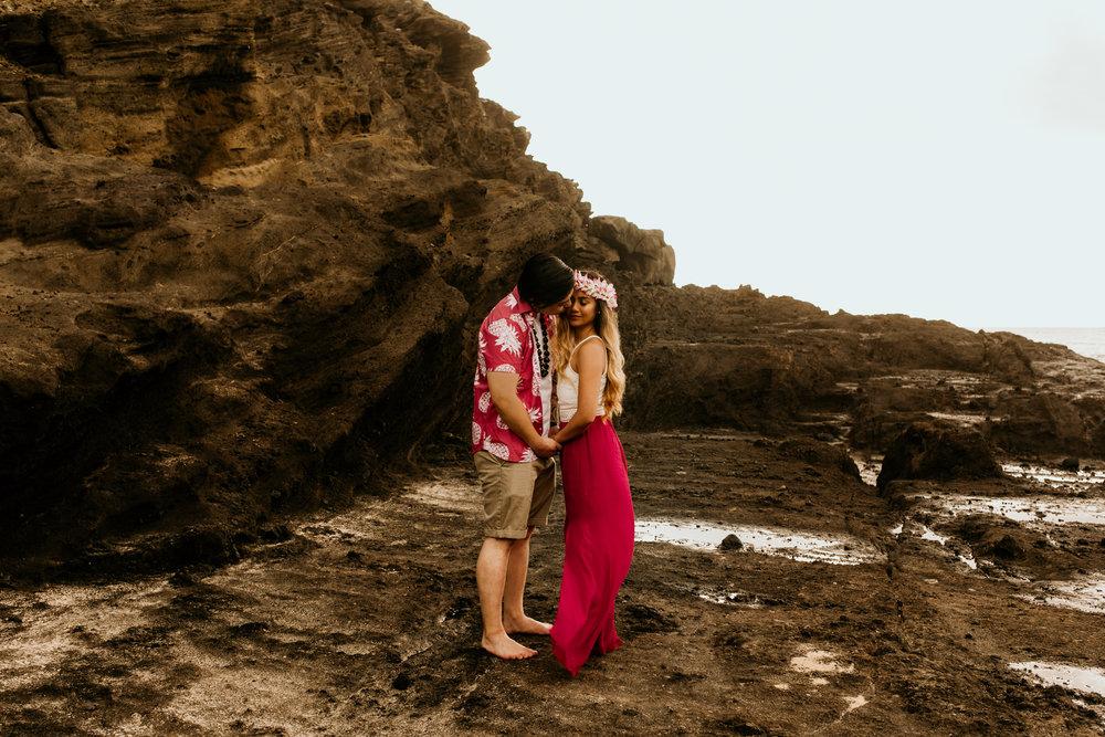 Oahu hawaii engagement photos93.jpg