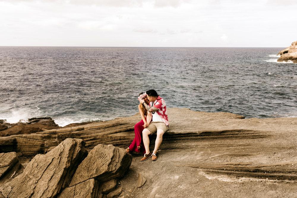 Oahu hawaii engagement photos98.jpg