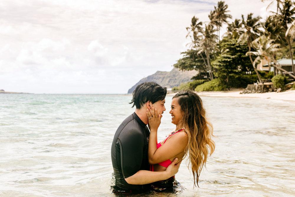 Oahu hawaii engagement photos194.jpg
