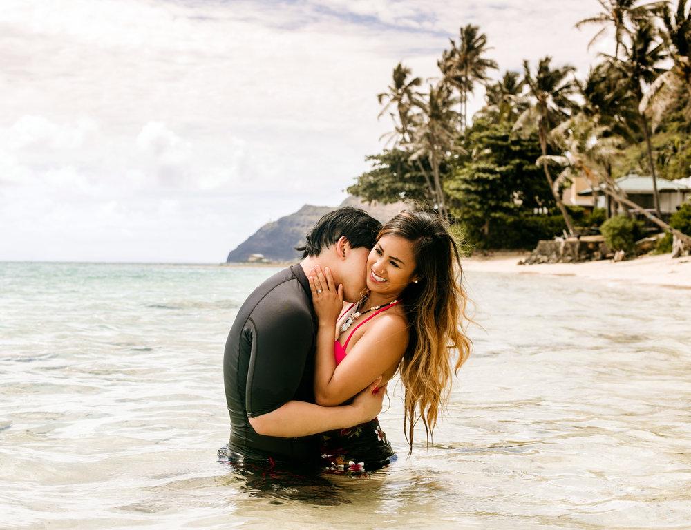 Oahu hawaii engagement photos198 copy.jpg