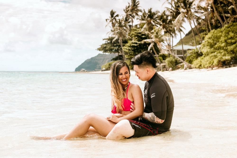 Oahu hawaii engagement photos-208.jpg
