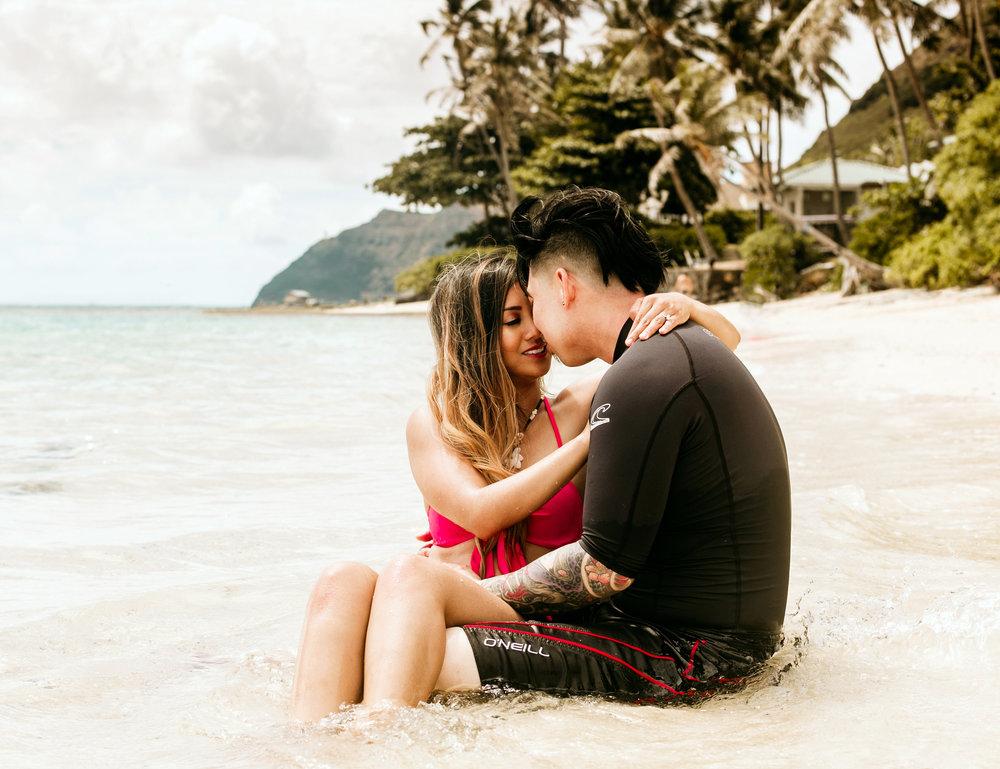 Oahu hawaii engagement photos-215.jpg