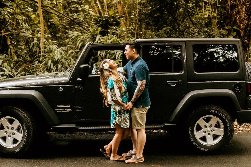 Oahu hawaii engagement photos-239.jpg