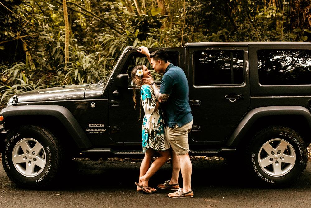 Oahu hawaii engagement photos-246.jpg