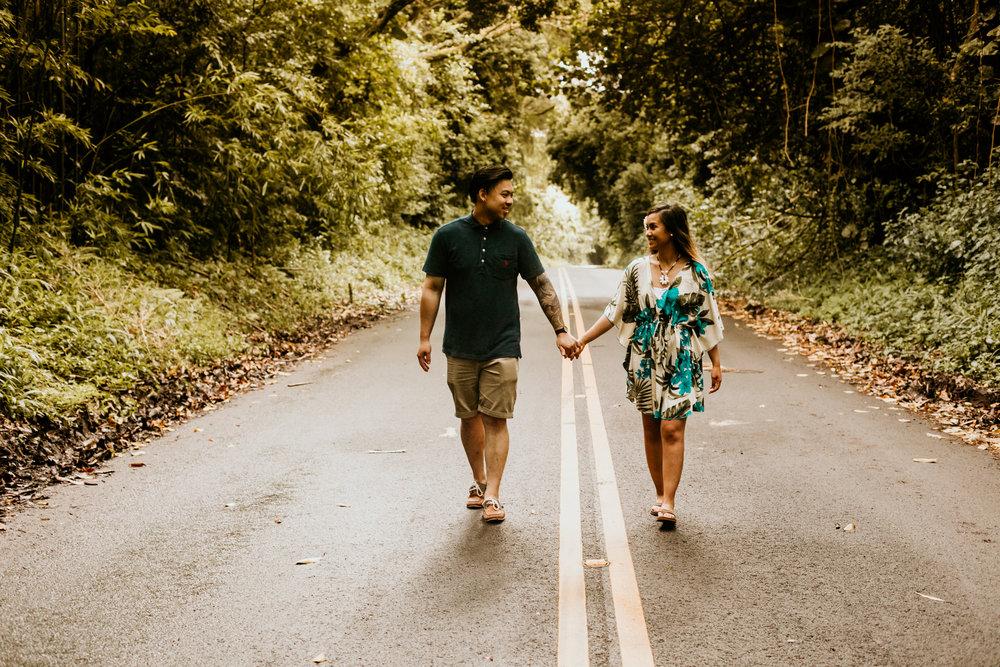Oahu hawaii engagement photos-253.jpg