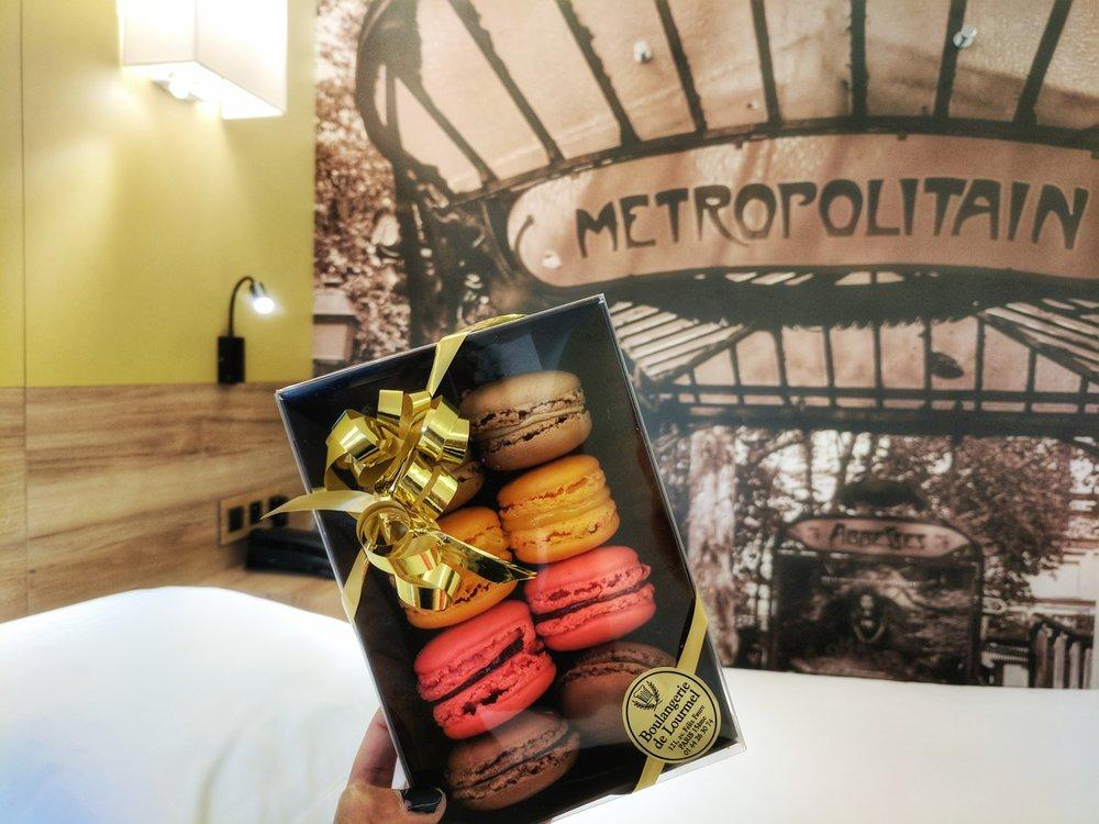 macarons-gift-box.jpg