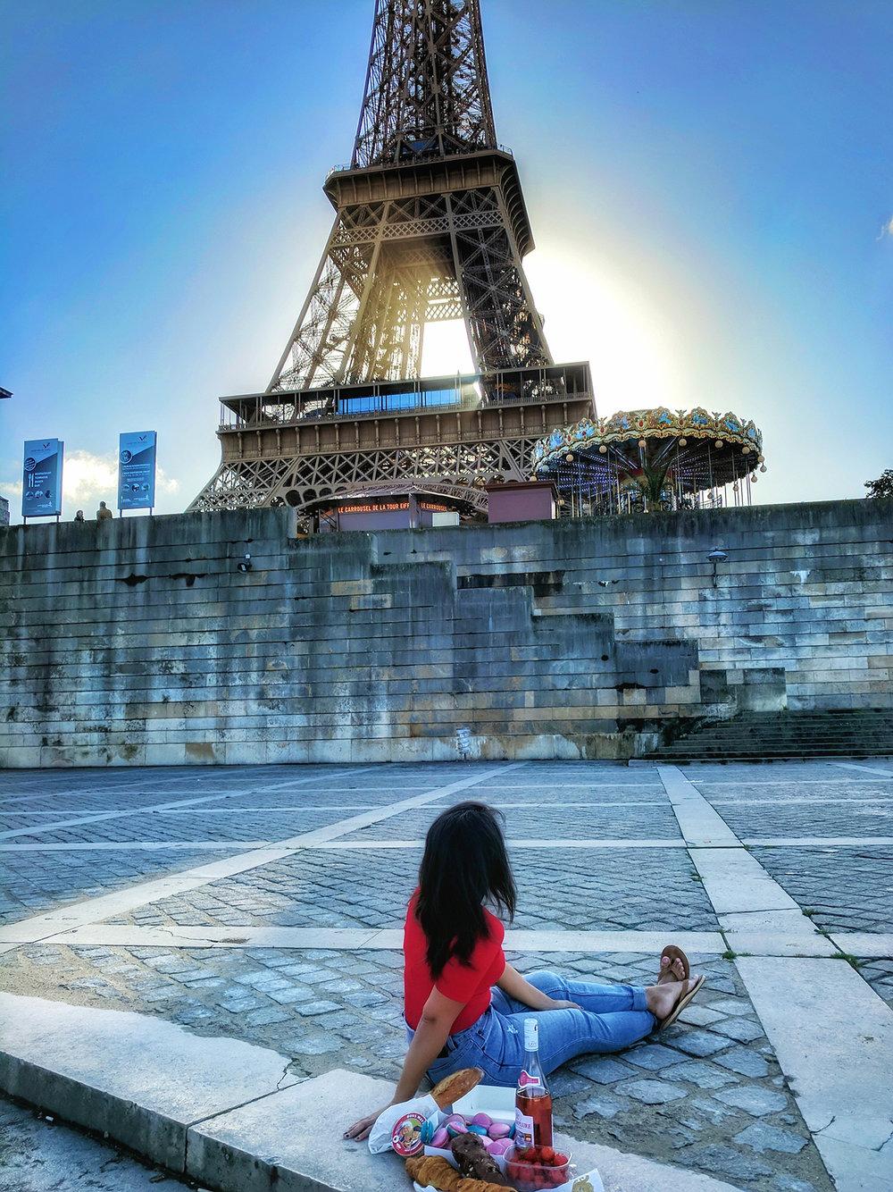 paris-seine-picnic.jpg
