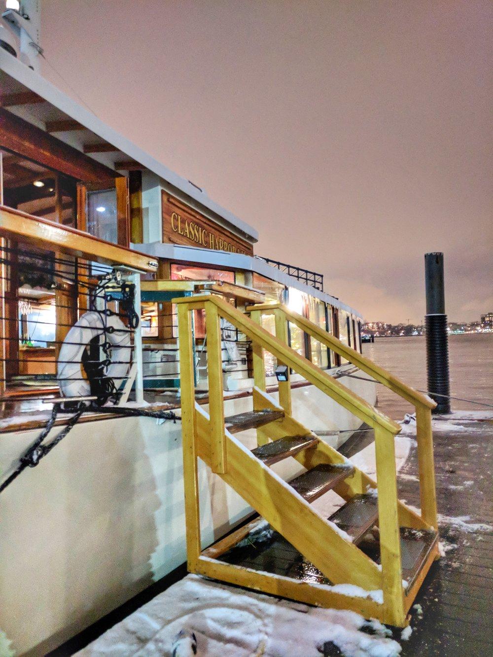 Classic-Harbor-Line-pier.jpg