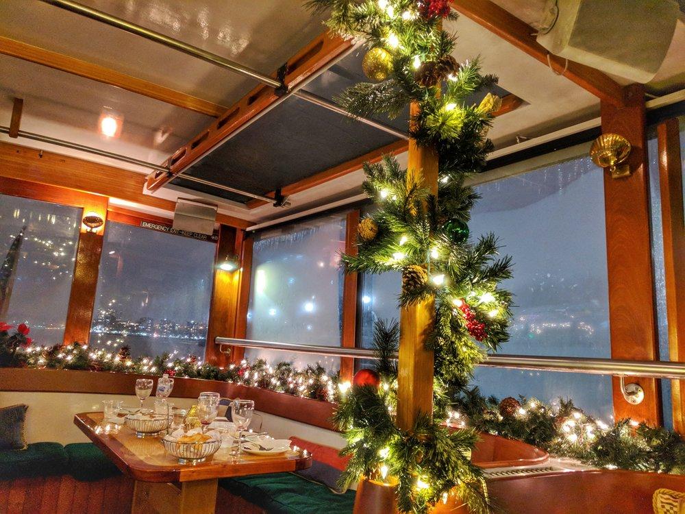 Classic-Harbor-Line-decorations.jpg