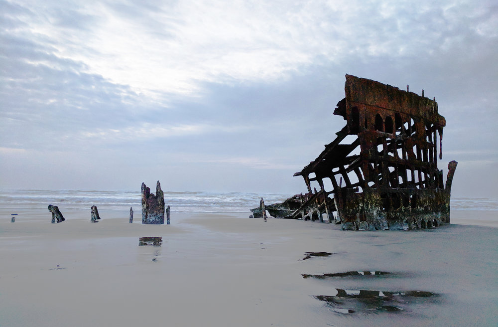 Peter-Iredale-Shipwreck.jpg