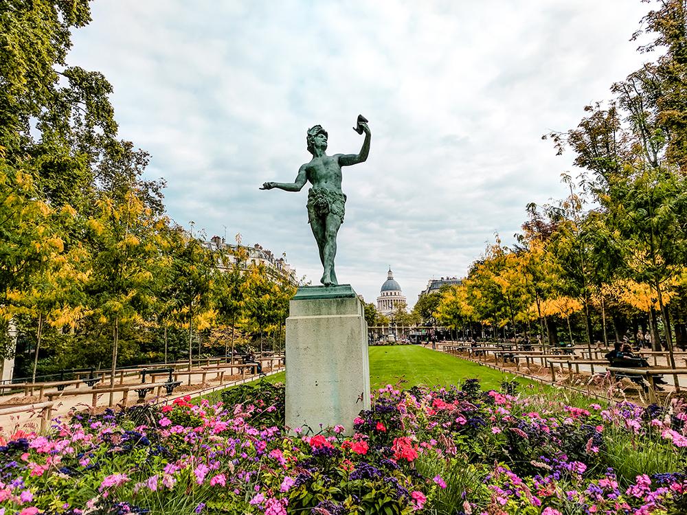 luxemborg-gardens-statue.jpg