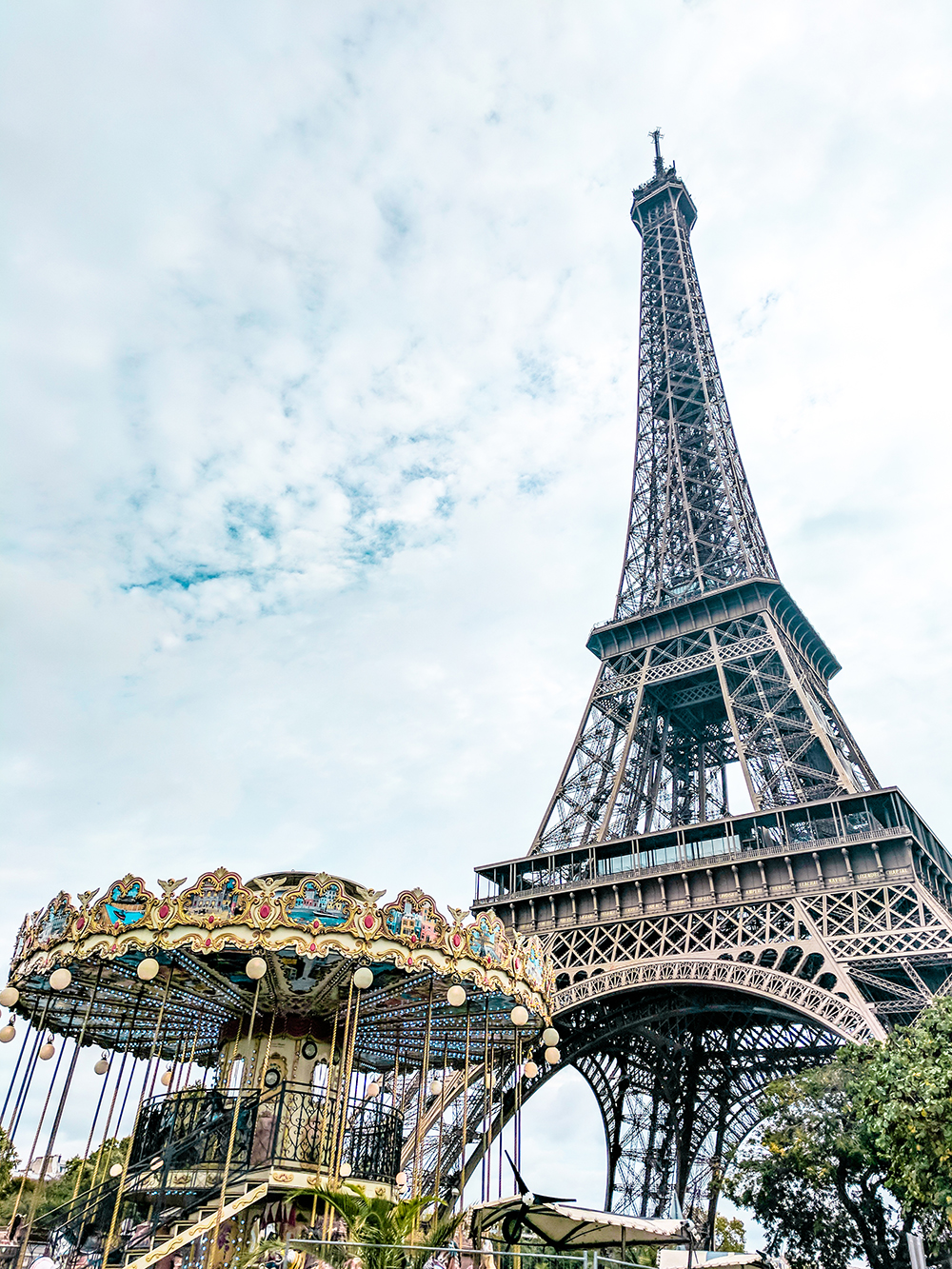 eiffel-tower-carousel.jpg