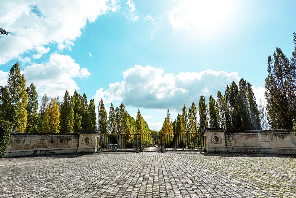versailles-house-courtyard.jpg