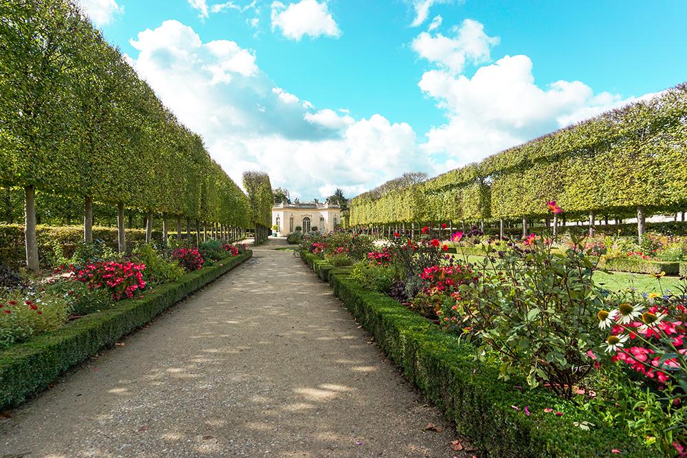 versailles-house-garden.jpg