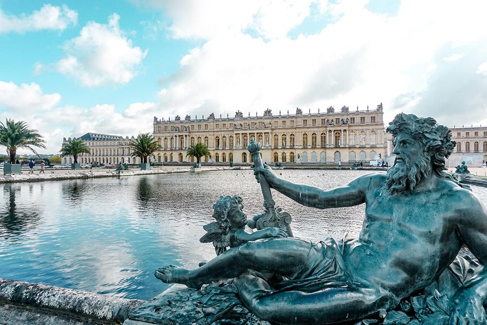 versailles-pond-statue.jpg
