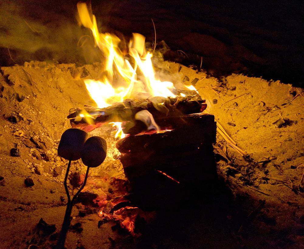 Lincoln-City-smore-bonfire.jpg