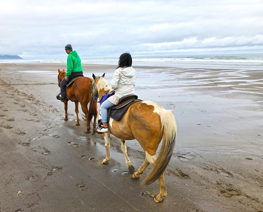 Horse-riding-beach.jpg