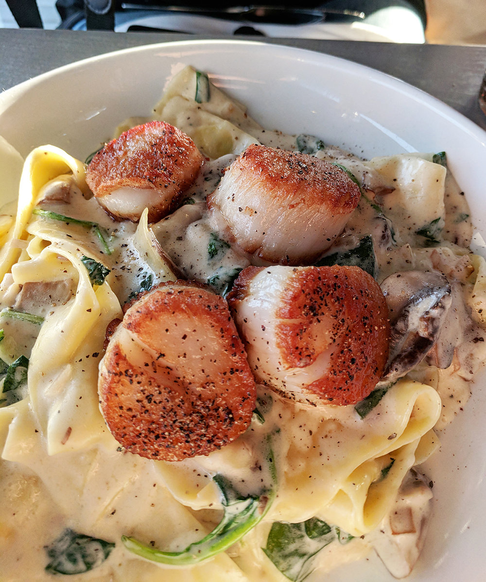 Red36-scallop-pasta.jpg