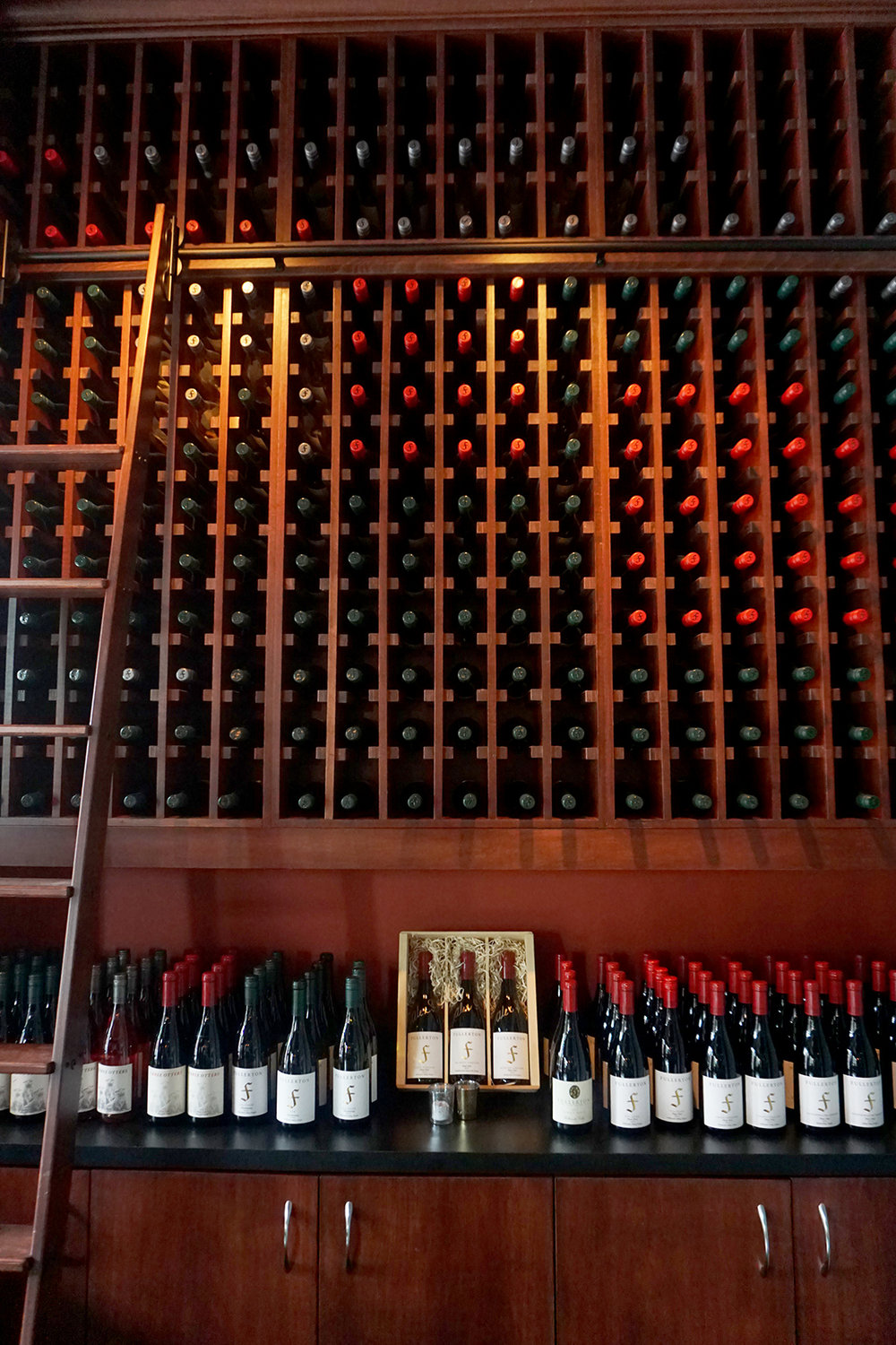 Fullerton-Wines-wine-wall.JPG
