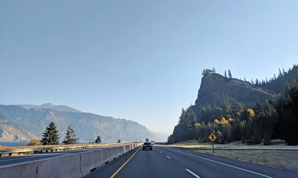 Columbia Gorge Highway 84.jpg