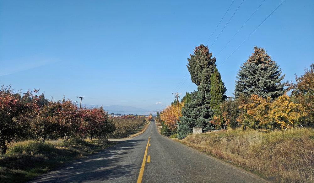 Hood River country road.jpg