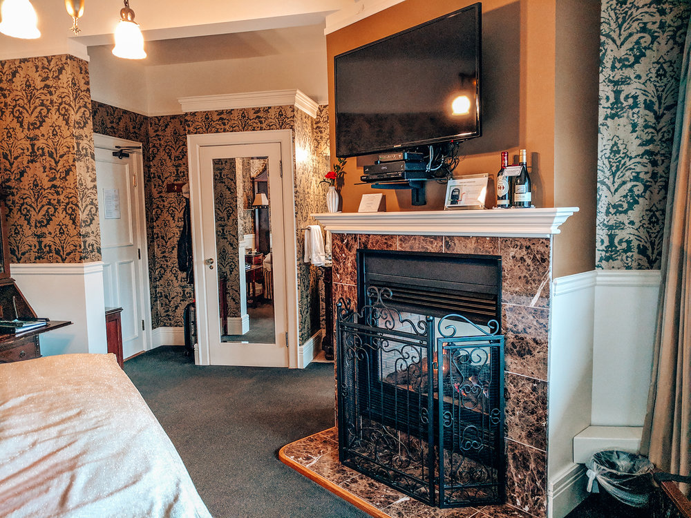 Abigails-bedroom-fireplace.jpg