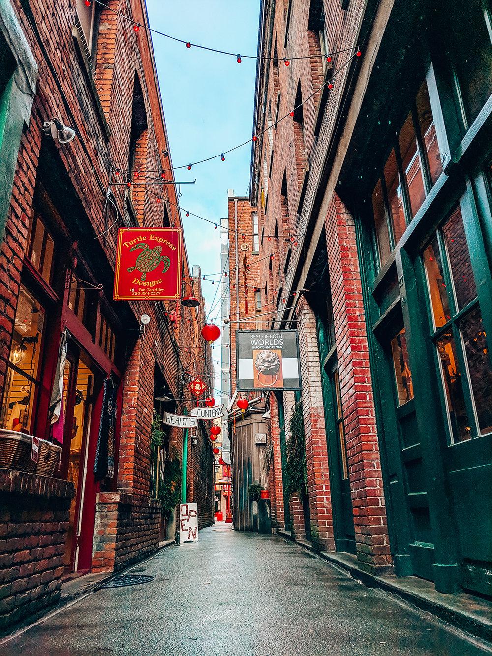 Victoria-Fan-Tan-Alley.jpg