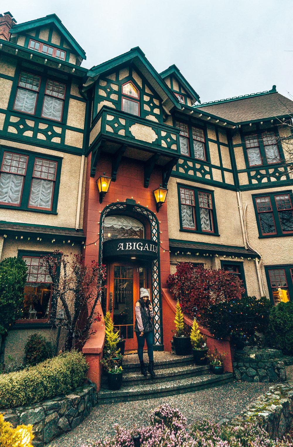 Victoria-Abigails-Hotel-front-door.jpg