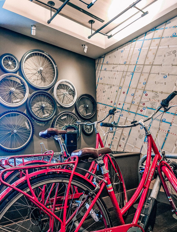 Hotel Vintage lobby bikes