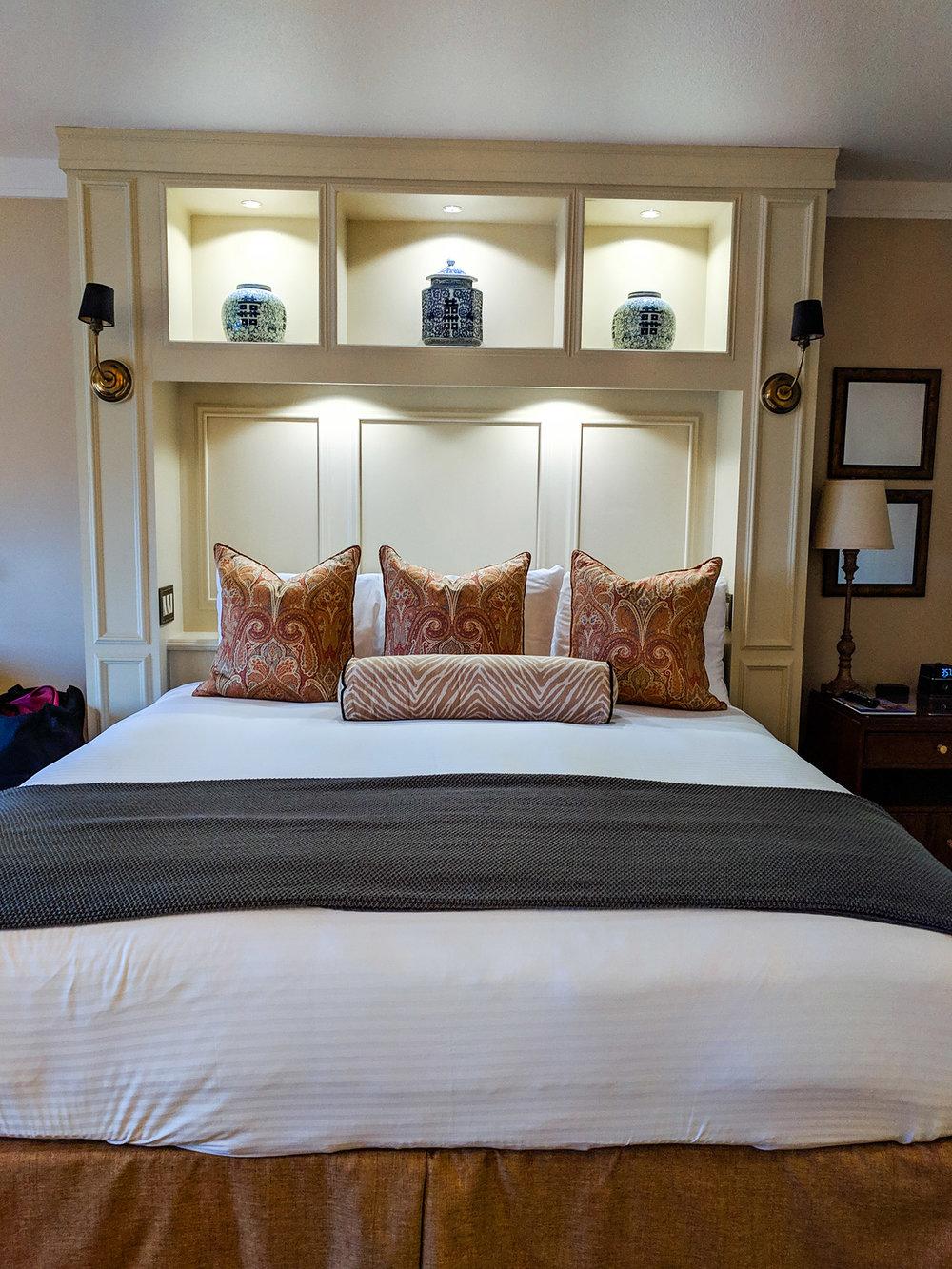 Napa River Inn bed