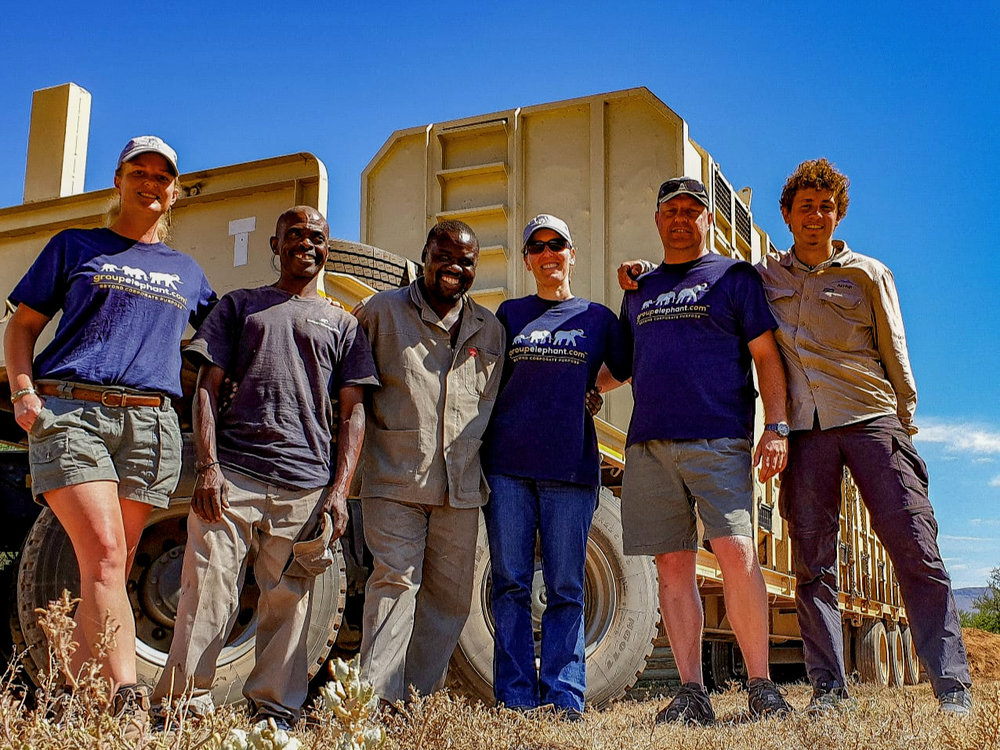 The team that transported Kahle and Mvula. From left: Ida, Koos, Skukuza, Penny, Dereck and Daviid. Photo: Daviid Swanepoel